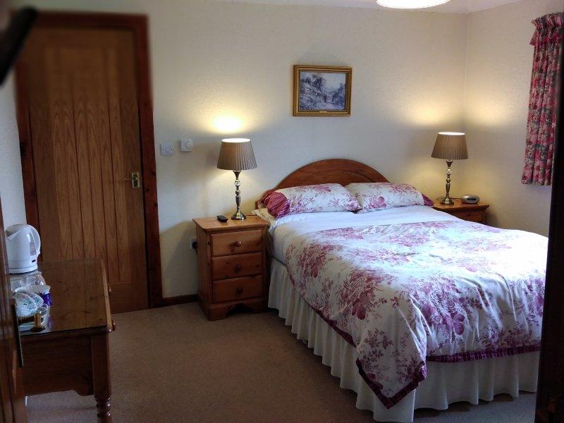 Alltyfyrddin Farm Guest House Gwenllian Double Bedroom